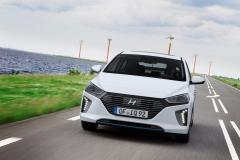 Hyundai IONIQ Hybrid 2016 (14)