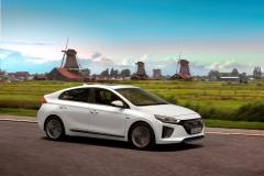 Hyundai IONIQ Hybrid 2016 (17)