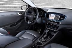 Hyundai IONIQ Hybrid 2016 (19)