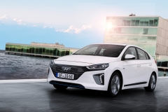 Hyundai IONIQ Hybrid 2016 (2)