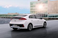 Hyundai IONIQ Hybrid 2016 (3)