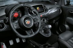 Abarth 695 XSR Yamaha Limited Edition 2017 (3)