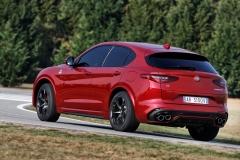 Alfa Romeo Stelvio Quadrifoglio 2018 (11)