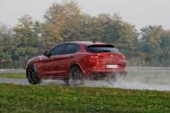 Alfa Romeo Stelvio Quadrifoglio 2018 (15)