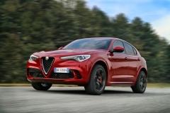 Alfa Romeo Stelvio Quadrifoglio 2018 (3)