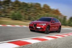 Alfa Romeo Stelvio Quadrifoglio 2018 (4)