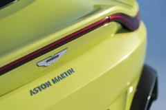Aston Martin Vantage 2018 (13)