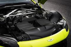 Aston Martin Vantage 2018 (17)