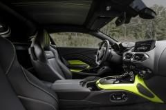 Aston Martin Vantage 2018 (18)