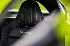 Aston Martin Vantage 2018 (19)