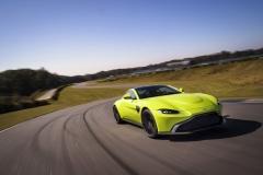 Aston Martin Vantage 2018 (2)