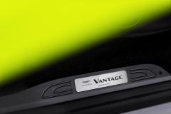 Aston Martin Vantage 2018 (20)