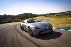 Aston Martin Vantage 2018 (22)
