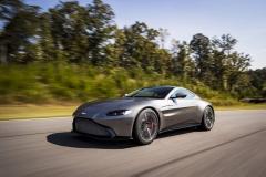 Aston Martin Vantage 2018 (23)