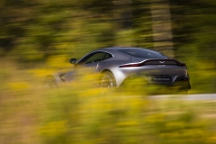 Aston Martin Vantage 2018 (25)
