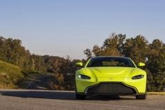 Aston Martin Vantage 2018 (8)