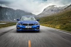 P90323662_highRes_the-all-new-bmw-3-se