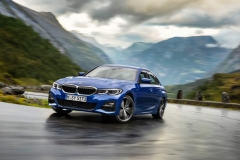 P90323666_highRes_the-all-new-bmw-3-se