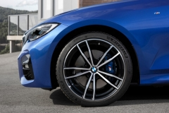 P90323686_highRes_the-all-new-bmw-3-se