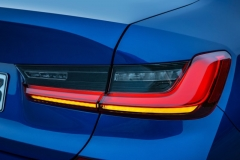 P90323691_highRes_the-all-new-bmw-3-se