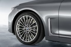 P90333064_highRes_the-new-bmw-7-series