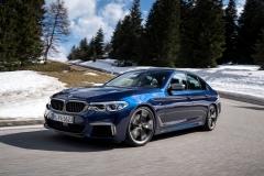BMW M550i xDrive 2017 (10)