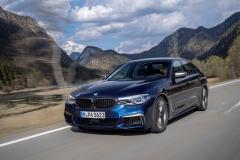 BMW M550i xDrive 2017 (11)