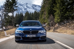 BMW M550i xDrive 2017 (12)