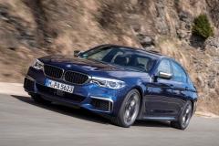 BMW M550i xDrive 2017 (13)