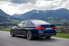 BMW M550i xDrive 2017 (17)