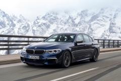 BMW M550i xDrive 2017 (18)