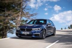 BMW M550i xDrive 2017 (5)