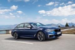 BMW M550i xDrive 2017 (8)