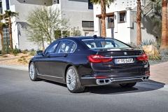 BMW M760Li xDrive V12 Excellence 2017 (3)