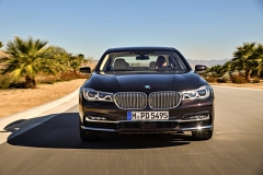 BMW M760Li xDrive V12 Excellence 2017 (9)