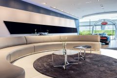 Bugatti-showroom Dubai 2017 (3)