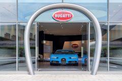 Bugatti-showroom Dubai 2017 (5)