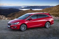 Opel Astra Sports Tourer 2016 (38)