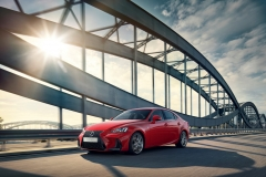 Lexus IS 300h 2017 (2)