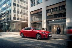 Lexus IS 300h 2017 (3)