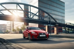 Lexus IS 300h 2017 (4)