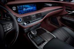 Lexus LS 500h 2017 (6)