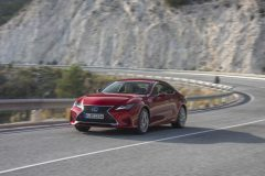 06-Lexus-RC-300h-Radiant-Red-dynamic