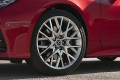37-Lexus-RC-300h-Radiant-Red-detail