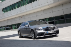 Mercedes-AMG S 63 4Matic+ Limousine 2017 (2)