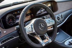 Mercedes-AMG S 63 4Matic+ Limousine 2017 (22)