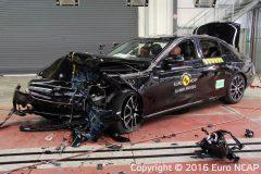 Mercedes-Benz E-Klasse Limousine 2016 (Euro NCAP) (2)