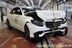Mercedes-Benz E-Klasse Limousine 2016 (Euro NCAP) (4)