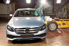 Mercedes-Benz E-Klasse Limousine 2016 (Euro NCAP) (5)