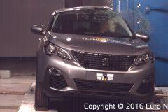 Peugeot 3008 2016 (Euro NCAP) (2)